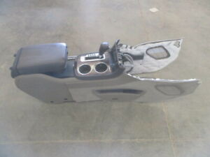 Gmc Acadia Buick Enclave Center Floor Console W Automatic Shifter Oem Lkq
