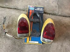 Vw Beetle Tail Light Assembly Pair Gaskets Great Shape 68 70 Yellow