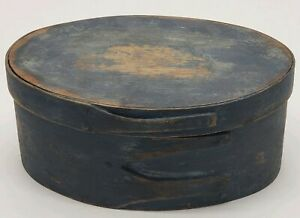 Beautiful Shaker Blue Painted 3 Finger Oval Pantry Box Copper Nails