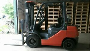 2012 Toyota Pneumatic Forklift 5000lb Lifting Capacity With Side Shifter