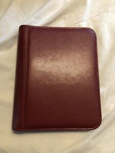 Franklin Covey Classic Signature Leather Red Zippered Binder
