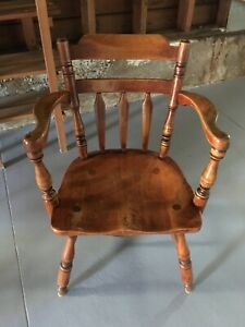Cushman Colonial Creations Arm Chair Model 7031 Looks Great