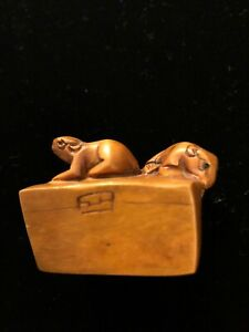 Boxwood Two Mouse Climbing Box Or Cheese Carved Intricate Charming Netsuke