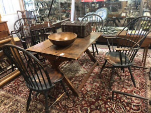 Original Set Of 4 D R Dimes Country Windsor Chairs In Black Paint 2 Arms 2 Sides
