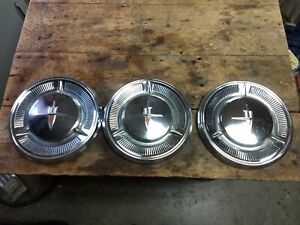 59 60 Oldsmobile Dog Dish Set Of 4 Hub Caps 10 1 2 1959 1960