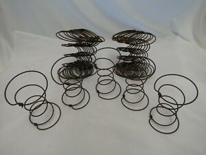 Lot Of 25 Hour Glass Rusty Bed Springs Light Weight Shabby Vintage Crafts