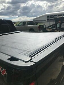 Roll N Lock Retractable Tonneau Cover Used 2017 Chevrolet Silverado
