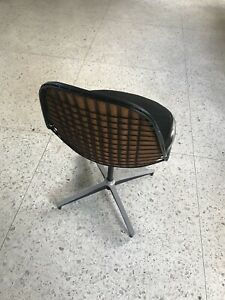 Mid Century Modern Herman Miller Eames Black Padded Wire Pkc Chair Vintage