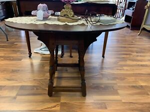 Vintage Wooden Oval Folding Coffee Table With 1 Drawer