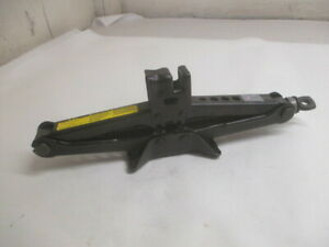 Toyota Camry Avalon Wheel Tire Jack Assembly Oem Lkq