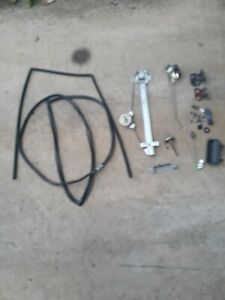 1997 Geo Tracker Right Rear Door Window Regulator With Hardware And Latch