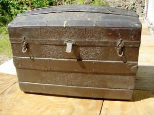 Antique Dome Top Trunk Pick Up In Nh