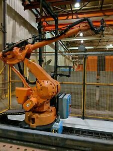 Abb Irb 4400 l10 With Irc5 30 Ft Track Plasma Cutting System W Burning Tables