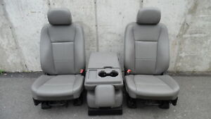 2017 2019 Ford F350 Super Duty Front Vinyl Bucket Seats W Center Jump Seat Oem