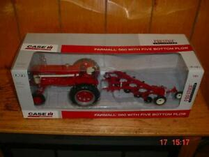 Farmall 560 Toy Tractor W 5 bottom Plow Nib 1 16 Ertl