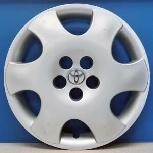 One 2003 2004 Toyota Corolla Ce 61122 15 Wheel Cover Hubcap 42621ab050 Used