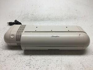 Swingline 525 Commercial 20 sheet Capacity Electric 3 hole Punch Tested working