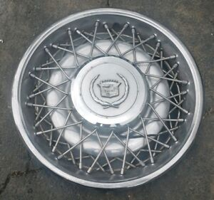 1 1975 85 Cadillac Fleetwood Brougham Rwd 15 Wire Spoke Hubcap Wheel Cover e