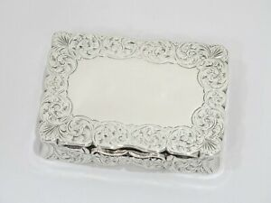 3 75 In Sterling Silver Antique English Victorian Floral Snuff Box