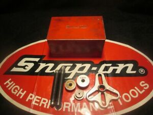 Snap on Tools Cj98 Bolt Grip Puller In Metal Box Centering Plates