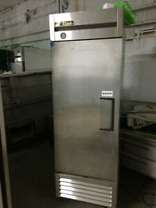 Used True T 23 1 Door Reach in Refridgerator With Shelves
