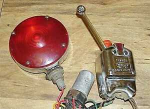 Vintage Yankee Turnflex Turn Signal Assembly 730 6 Usa With Sae I 66 Red Light