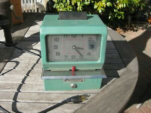 Acroprint Time Punch Clock Recorder Model 125nr4