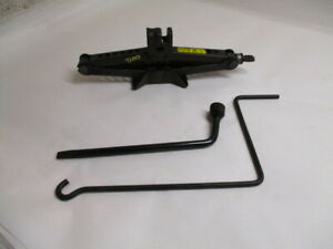 2012 2017 Toyota Camry Wheel Tire Jack Assembly W tools Oem Lkq