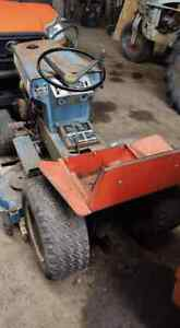 Ford 100 Lawn Tractor