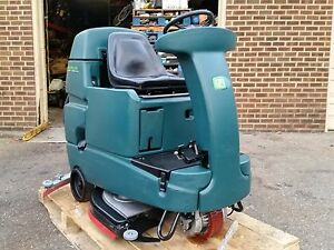 Nobles Ssr 32 inch Riding Floor Scrubber Under 700 Hours 60 Day Parts Warranty