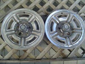 Two Vintage 1966 1967 1968 1969 Ford Galaxie Mustang 15 In Hubcaps Wheel Covers