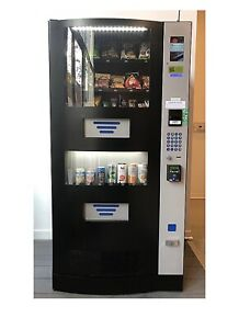 Great Deal 2 Vending Machines For 2 900 Used Vm Seaga Hy900 See Description