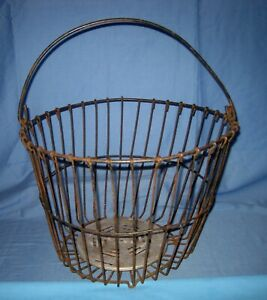 Vtg Antique Primitive Barn Find Wire Egg Gathering Basket Farm 15 X 11