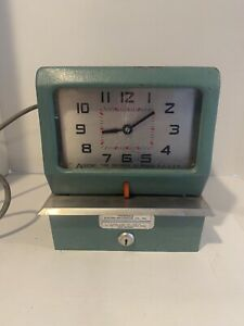 Vintage Acroprint Time Recorder Model 150nr4 Punch Card Time Clock No Key Or Ink