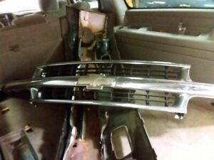 Grille 2000 2006 Tahoe Chrome 1480615