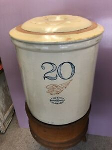 Antique 20 Gallon Red Wing Crock Large Wing With Salt Glaze Lid