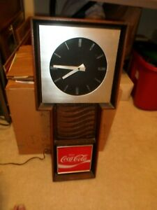 1970'S COCA COLA CLOCK   (BENCO)
