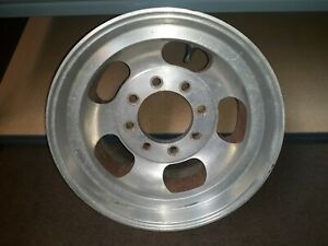 One 16 5 X 8 25 Aluminum Slot Wheel 8 Lug 6 5 Bolt Pattern Ford
