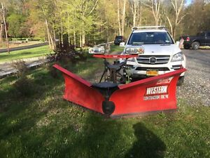 9 1 2 Foot Western V Snow Plow With Ford F550 Frame
