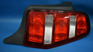 2010 2012 Ford Mustang Right Passenger Side Outer Tail Light Ar33 13b504 a