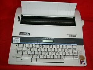 Smith Corona Xd 5250 Spell Right Dictionary Electronic Typewriter