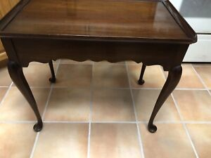 Statton Old Towne Solid Cherry Queen Anne Style Tea Table End Table Pulls