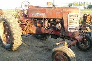 International Harvester 400 Diesel Tractor