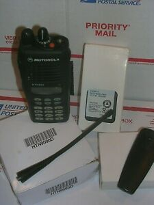 Motorola Ht1250 Uhf 403 470 Mhz Radio Package With Many New Accessories 347 B