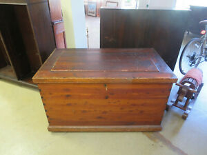 Early 1800s Antique All Cedar Captain S Sea Chest Horse Blankets Coffee Table