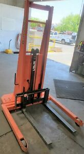 Lift Walk Behind 12v Electrical Up down 2000 Lbs Stacker Lift