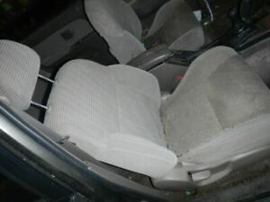 4 Runner 1997 Front Seat 703956