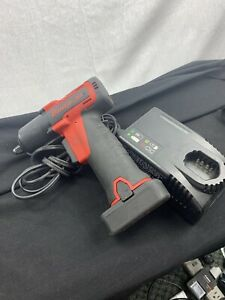 Snap On Ct761 3 8 Cordless Li Ion Impact Wrench Kit With One Batterie