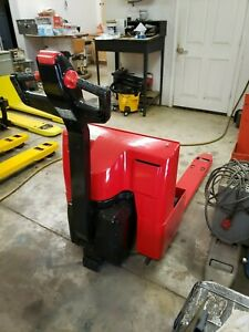 Raymond Electric Pallet Jack 101t f45l 24 Volt With New Batteries