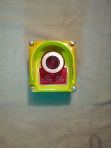 Squar D 9001kyg1y Emergency Stop Switch with Protective Metal Cover